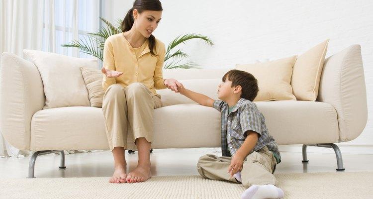 Nunca es demasiado pronto para enseñar el comportamiento apropiado a tu hijo.