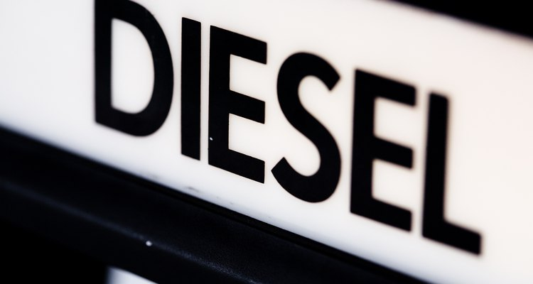 A sangria do motor a diesel Cummins remove o ar do sistema de alimentação