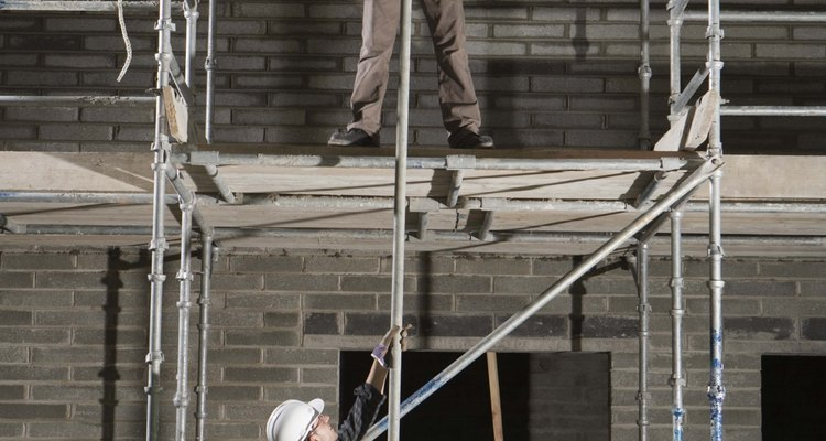 Calculate the live load of a scaffold before you erect to avoid accidents and save lives.