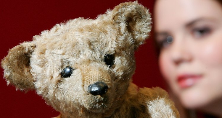 Oscar, a rare Steiff from 1904, was auctioned in 2007.