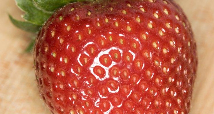 Algunos bebés experimentan gases cuando la madre consume fresas.