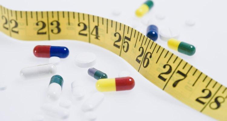 Use uma fita métrica para medir corretamente as mangas do casaco