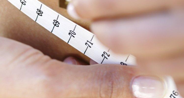 Utiliza métodos cuidadosos para obtener mediciones precisas.