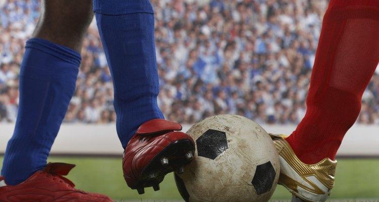 Remover arranhões das suas chuteiras de futebol as deixará como novas