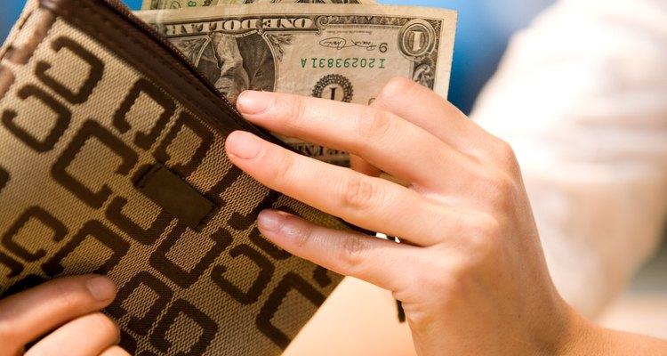 Asegúrate de dejar a un lado una cantidad suficiente para tu presupuesto de contingencia para cubrir los gastos inesperados.