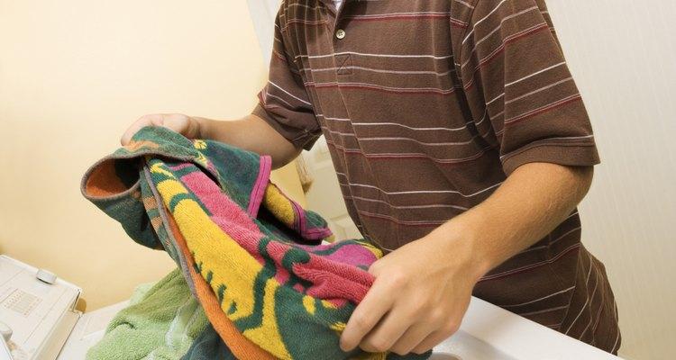 Desinfecta tu ropa con vinagre.