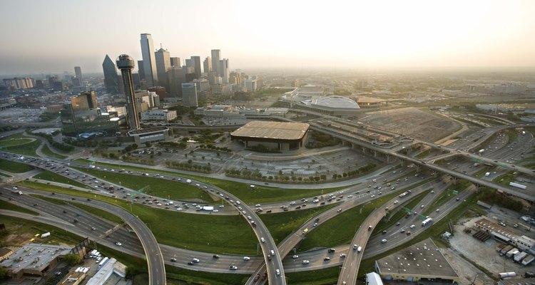 Desde el centro de Dallas, los conductores pueden llegar a muchos campamentos lacustres en menos de 45 minutos.