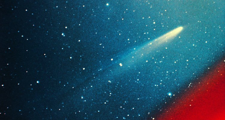 La cola del Cometa Kohoutec, al igual que todos los cometas, va hacia afuera del sol.