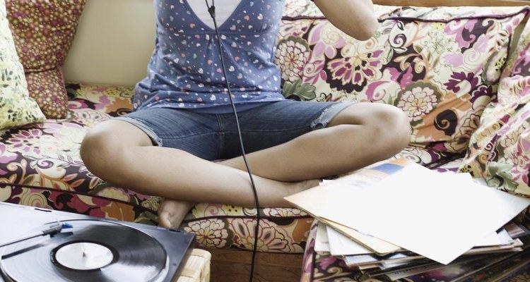 Las adolescentes nunca quieren tener su música lejos de ellas.