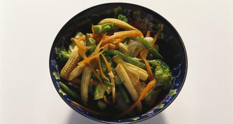 Cenouras precisam ser brevemente cozidas antes de serem congeladas