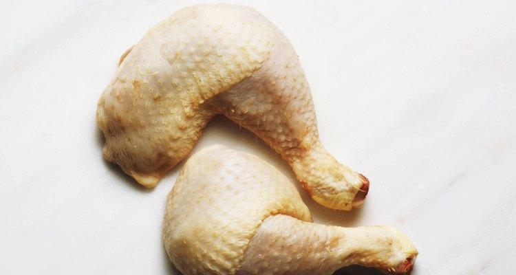 Apesar de muito saborosa, a pele de frango não é saudável