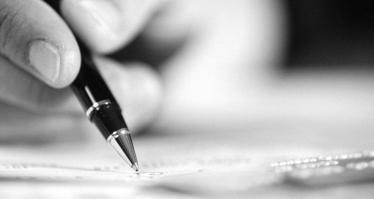Releia o parágrafo enquanto procura por palavras e frases que o autor repete