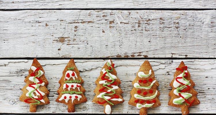 Haz tu árbol de Navidad con perchas.