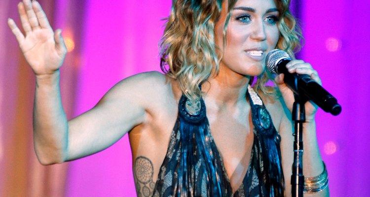 Miley Cyrus tem uma verdadeira coleção de tatuagens pelo corpo