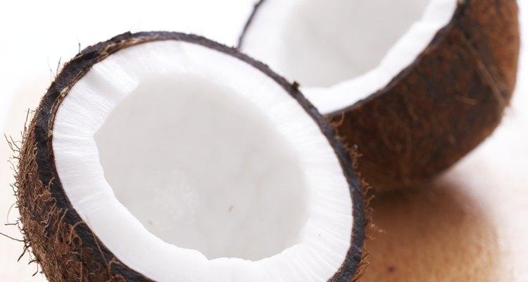 O leite de coco é extraído da carne do coco