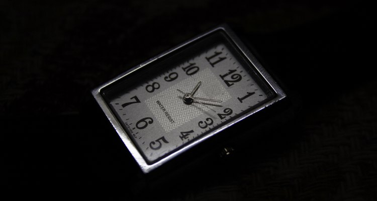 Como polir a superfície de um relógio