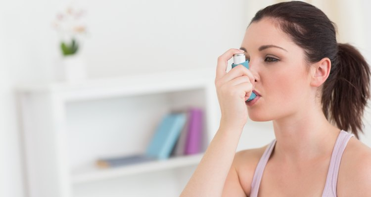 Mulher adulta com asma