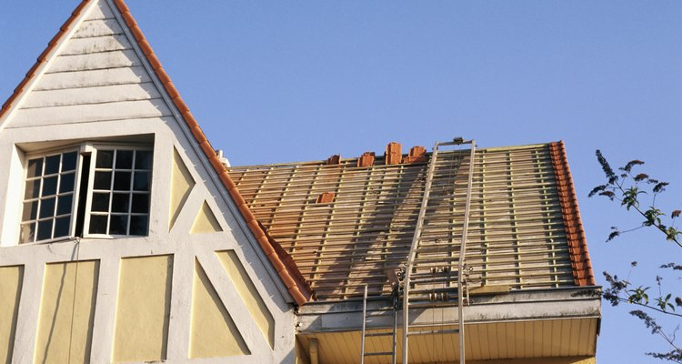 Decide dónde vas a colocar los paneles solares basados en la exposición al sol y la estética.