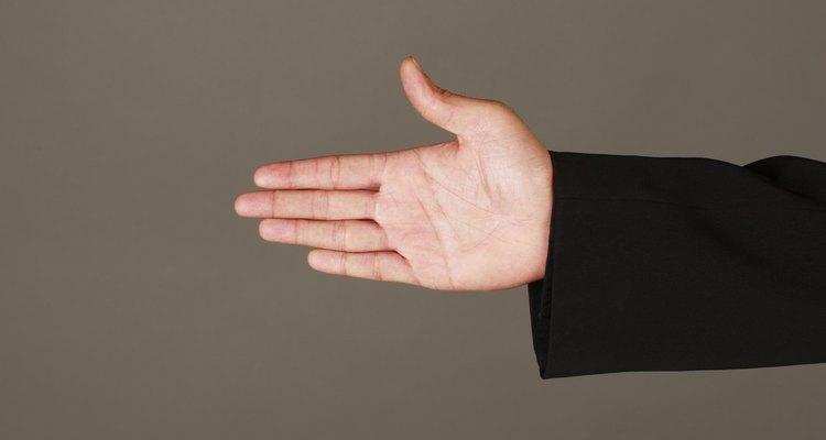 Os exercícios bem realizados ajudam a recuperar o movimento da mão