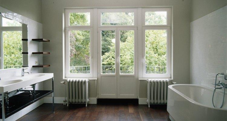 Deja un montante doble para enmarcar cada lado de las ventanas y puertas.