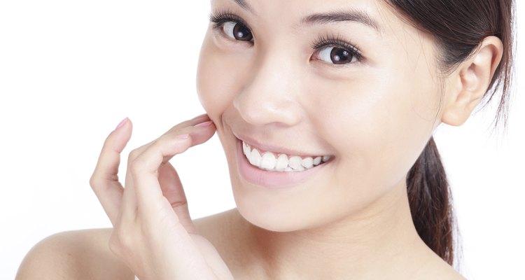La vitamina E es considerada como antioxidante y puede ayudar a proteger los ojos y pulmones.