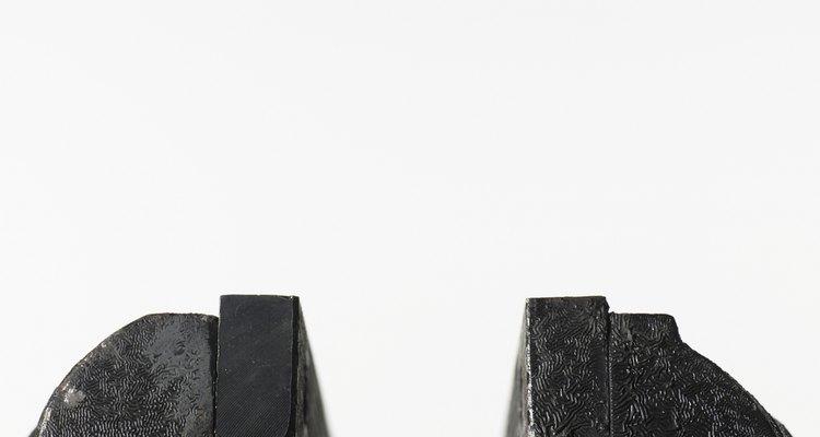 Un tornillo de banco se compone de dos mordazas, una fija y otra móvil.
