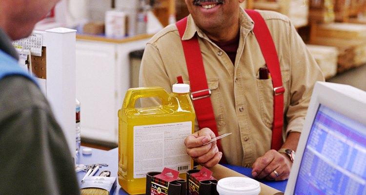 O gel de brilho pode ser encontrado na maioria das lojas de produtos para a casa e lojas de utilidades domésticas