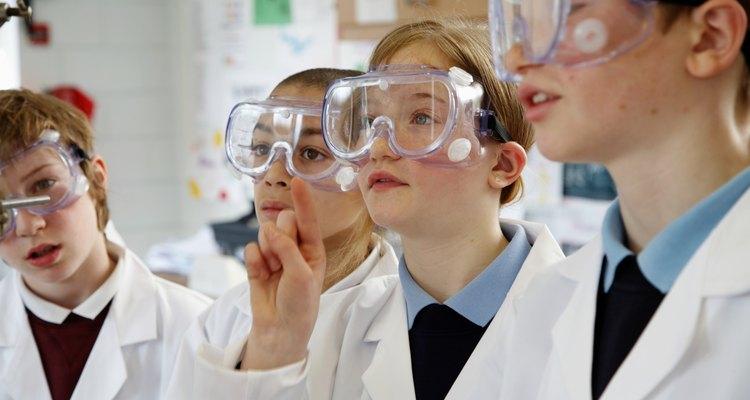 Os alunos aprendem melhor com atividades artesanais de ciências