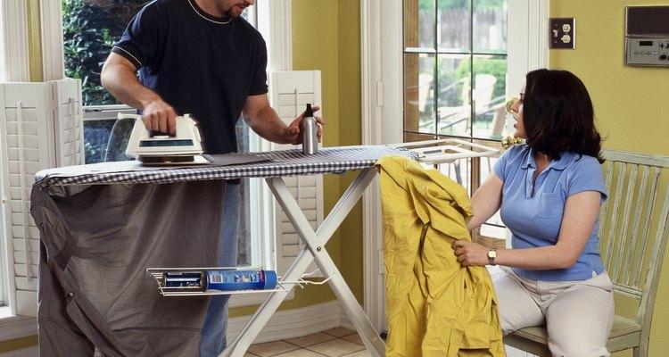 Algumas peças 100% poliéster podem ficar amassadas pelo uso prolongado ou lavagem incorreta