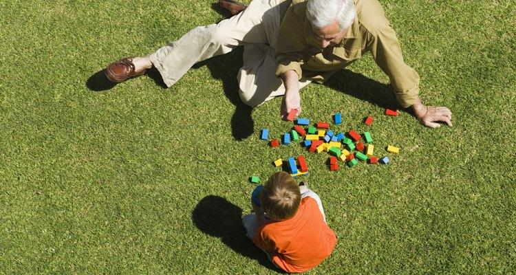 La clasificación de bloques mejora la función cognitiva y afina la motriz.