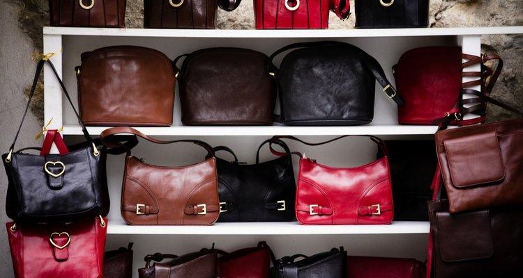 Longchamp é especialista em bolsas femininas.