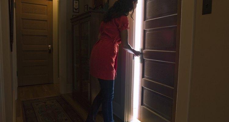 ¿Necesitas abrir una puerta de interior desde el exterior para poder entrar?