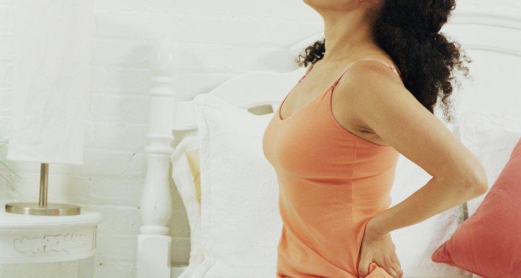 Ao estalar a coluna, pode-se aliviar a dor nas costas