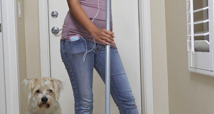Que tu adolescente ayude con las tareas del hogar.