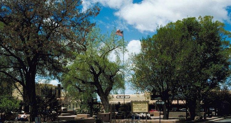 Santa Fé, Nuevo México, es una de las diez ciudades con los estitlistas mejor pagados a nivel nacional.