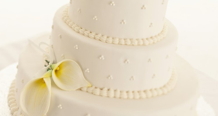 Fondant is the key decorative element in many wedding cakes.