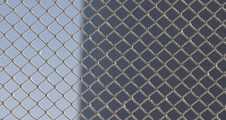 Una cerca de malla metálica puede ser la mejor opción.