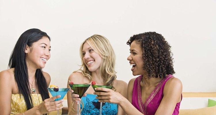 Los cócteles con vodka y granadina añaden sabor a tus reuniones.