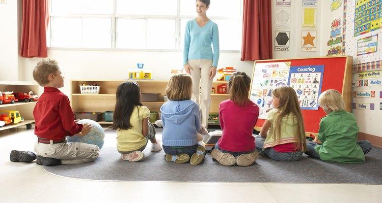 Tomar las medidas de disciplina correctas es una forma de educar a los niños.