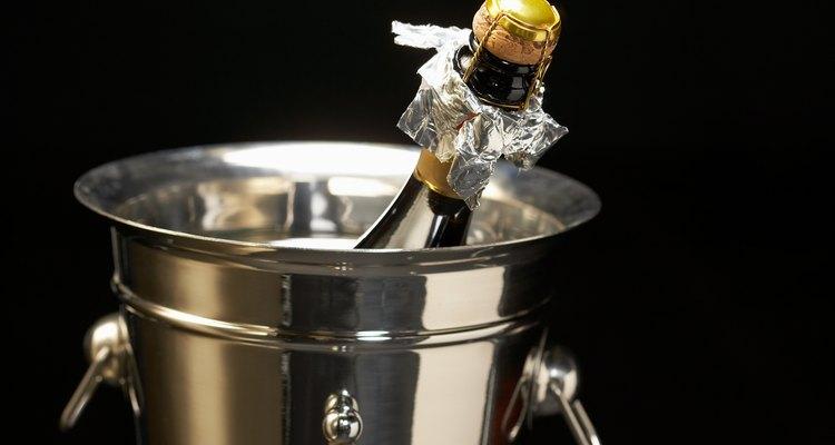 Aprenda a complementar a cor champanhe