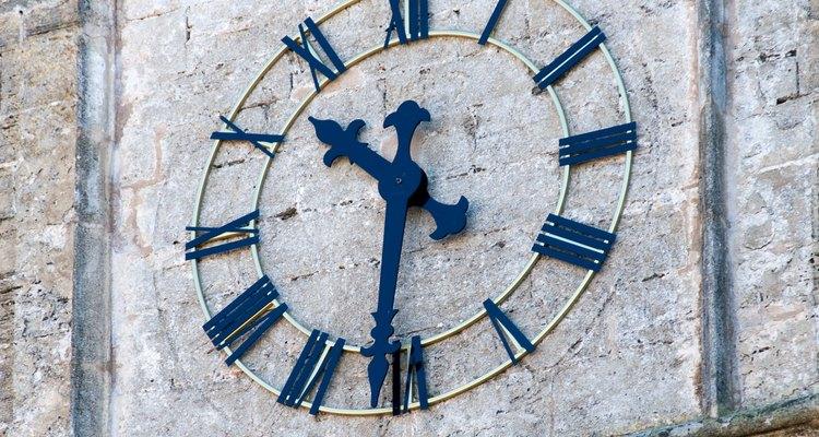 Puedes ver números romanos en algunos relojes.