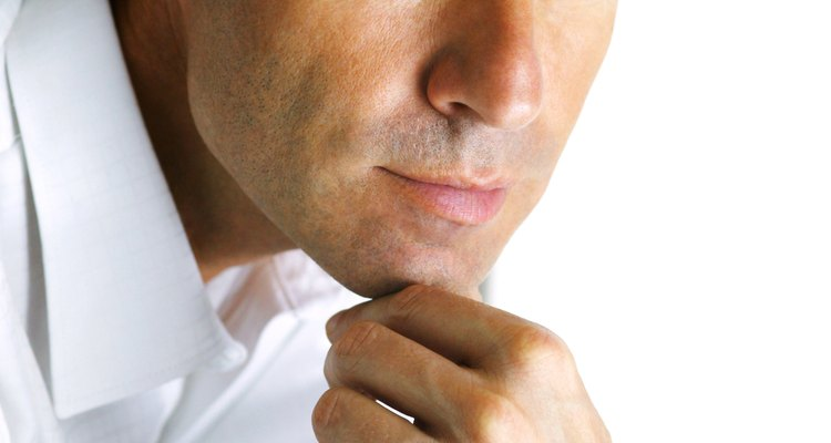 Haz tu investigación sobre los tratamientos para la pérdida de cabello antes de comprometerte con un procedimiento costoso.