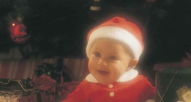 Disfruta de la temporada navideña con un bebé.
