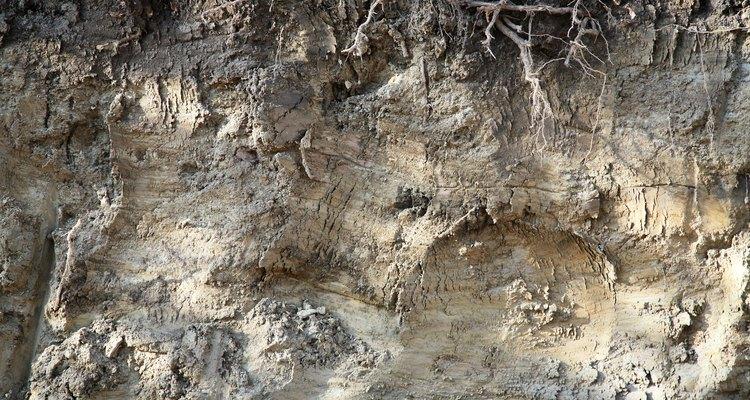 Las propiedades ingenieriles tanto de las rocas y los suelos dependen de su tipo específico y textura.
