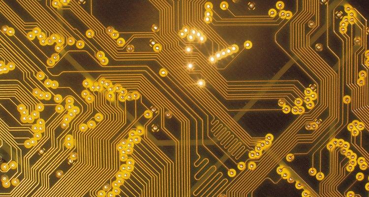 Um cartão de processador de computador contém materiais preciosos
