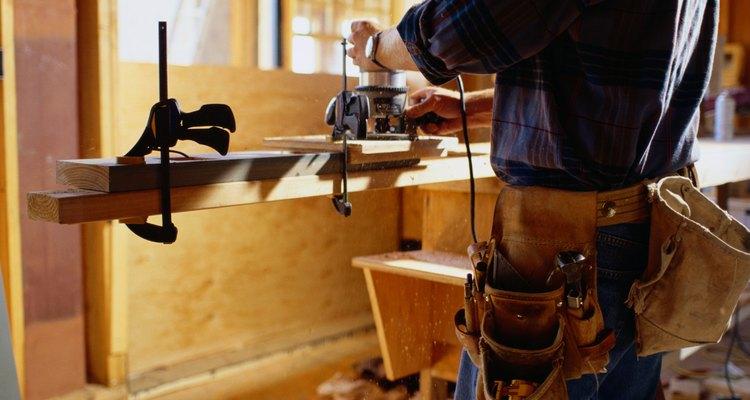 Asegura la madera antes de realizar los cortes