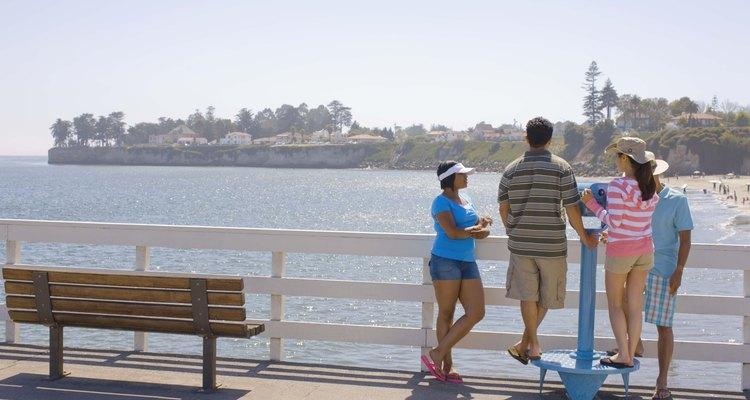 Visitar la playa es simplemente una actividad en Santa Cruz.