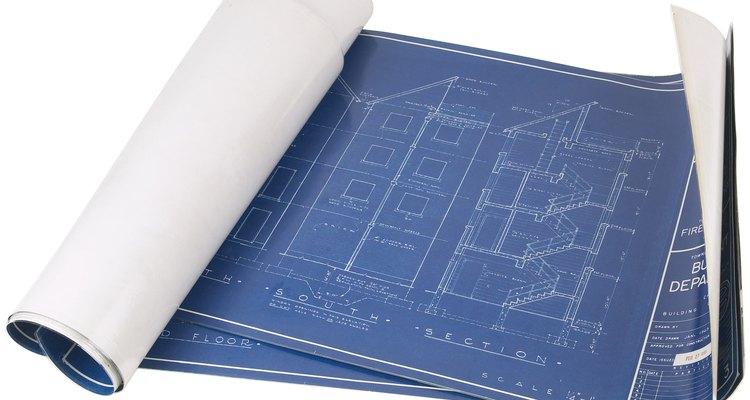 Los planos se parecen debido a las prácticas estandarizadas de dibujo en ingeniería.