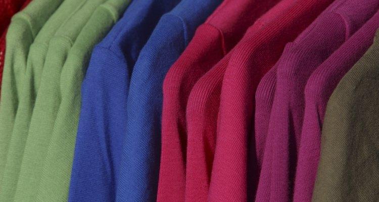 Utilize um vaporizador Tobi para manter roupas e estofados limpos