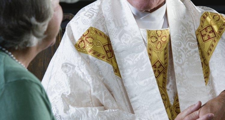 Dale a tu párroco un regalo que refleje sus intereses y su espiritualidad.